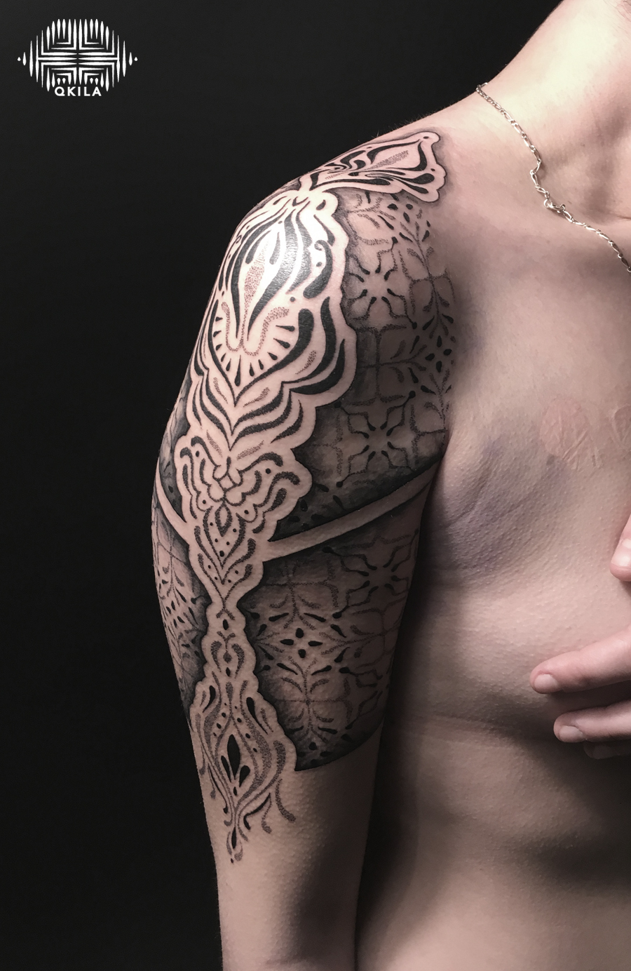 black contrast,patterns tattoo,op art, sleeves tattoo, dotwork tattoo, qkila,geometric tattoo, ethnique tattoo, les tatoués anonymes, nimes