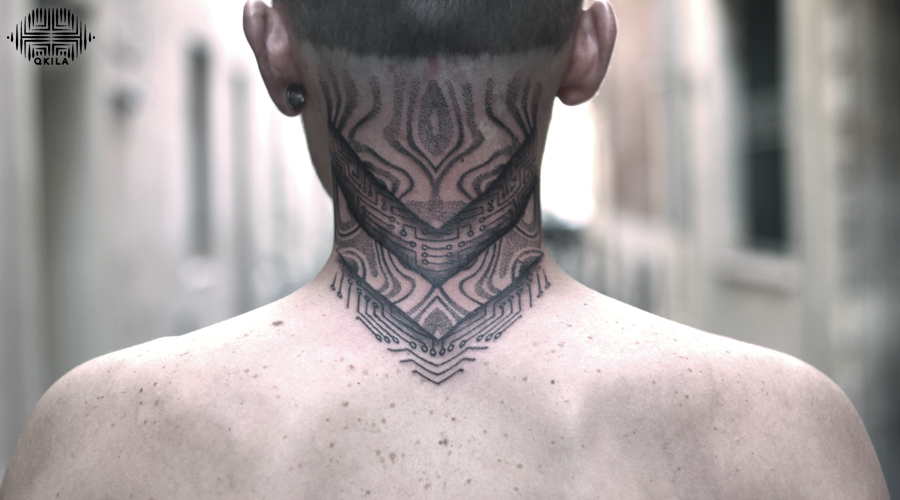 break neck tattoo,full back,tattoo,black on black,patterns tattoo,op art, sleeves tattoo, dotwork tattoo, qkila,geometric tattoo, ethnique tattoo, les tatoués anonymes, nimes