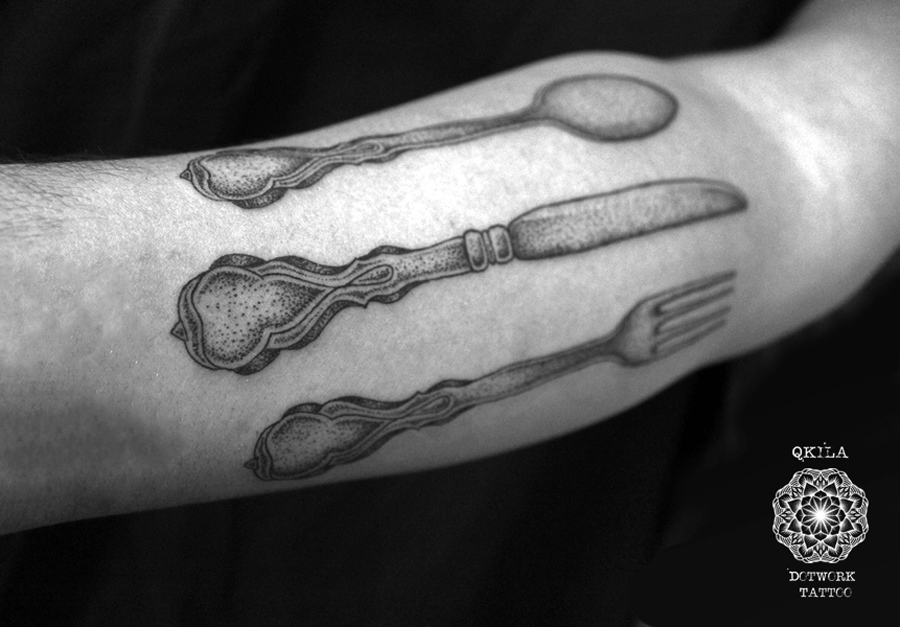 couverts tattoo dotwork