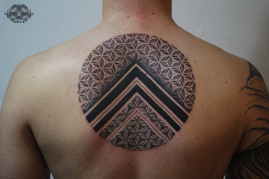 fleurs de vie tattoo,nimes,black,patterns tattoo,op art, sleeves tattoo, dotwork tattoo, qkila,geometric tattoo, ethnique tattoo, les tatoués anonymes, nimes
