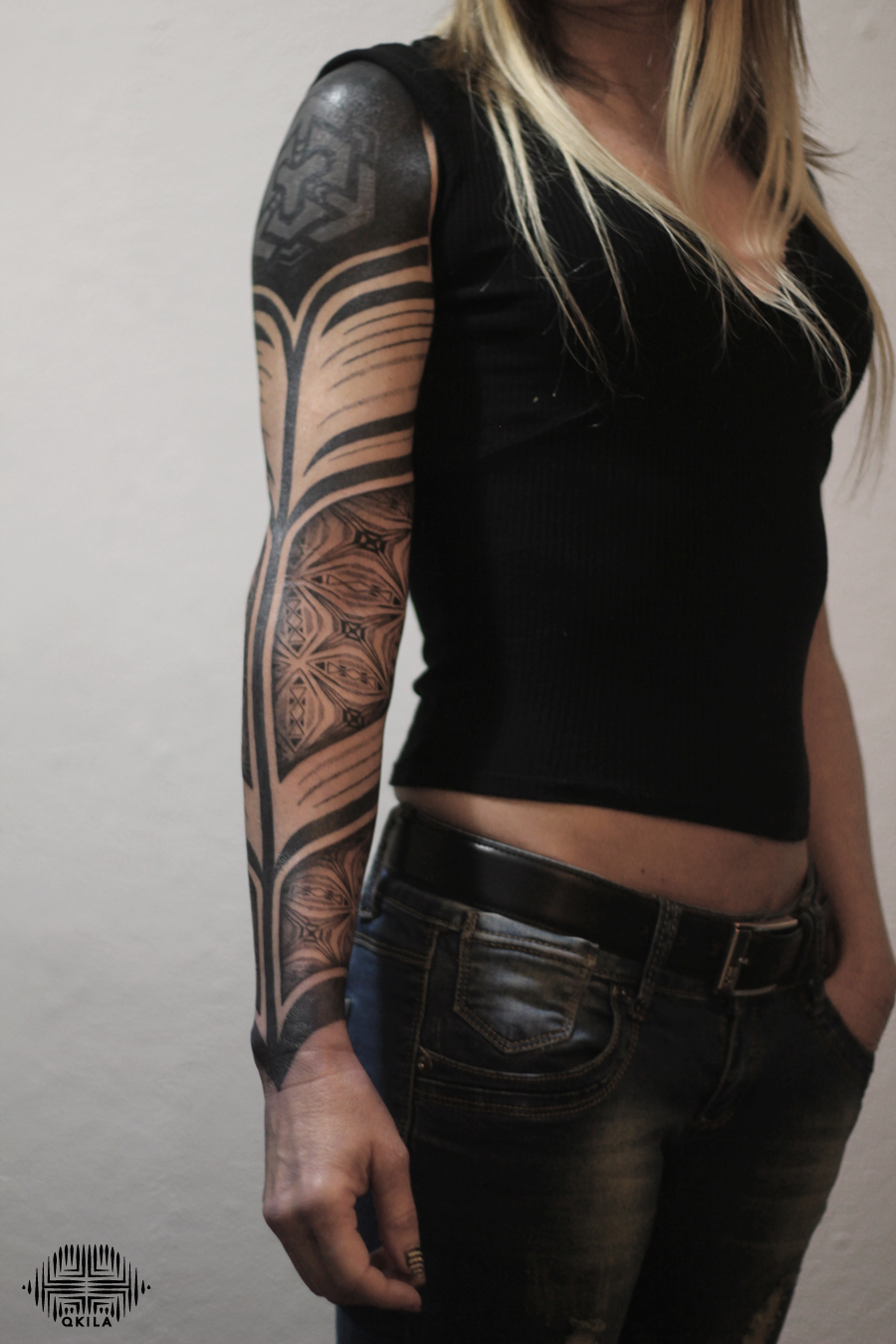 full sleeve tattoo ,nimes,black,patterns tattoo,op art, sleeves tattoo, dotwork tattoo, qkila,geometric tattoo, ethnique tattoo, les tatoués anonymes, nimes