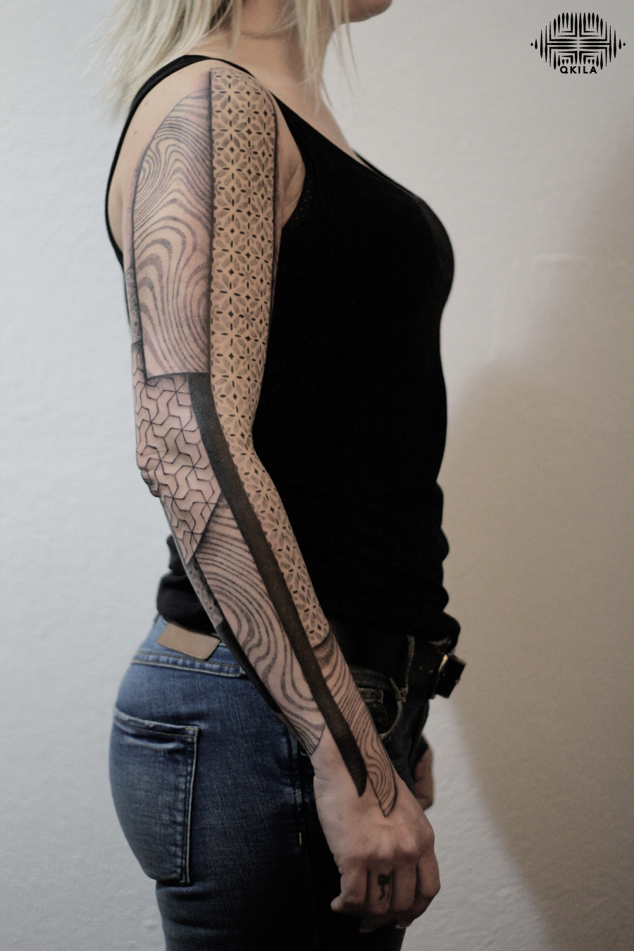 lyon sleeve  tattoo ,nimes,black,patterns tattoo,op art, sleeves tattoo, dotwork tattoo, qkila,geometric tattoo, ethnique tattoo, les tatoués anonymes, nimes