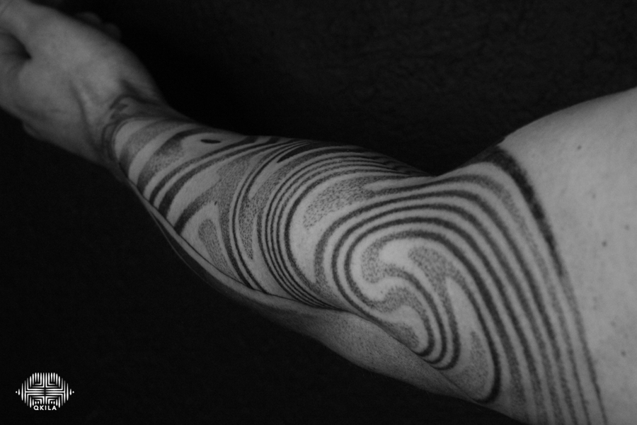 sleeve,patterns tattoo,op art, foot tattoo, dotwork tattoo, qkila,geometric tattoo, ethnique tattoo, les tatoués anonymes, nimes