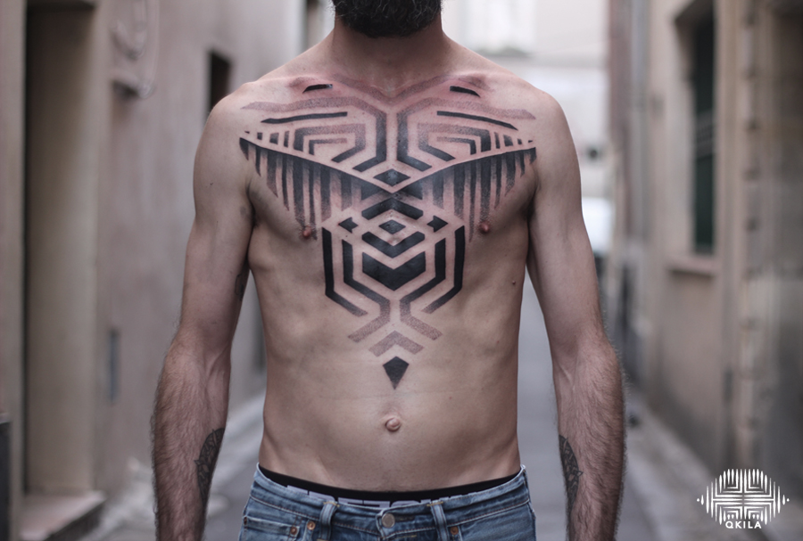 stephane,tours,body custom,black,patterns tattoo,op art, sleeves tattoo, dotwork tattoo, qkila,geometric tattoo, ethnique tattoo, les tatoués anonymes, nimes