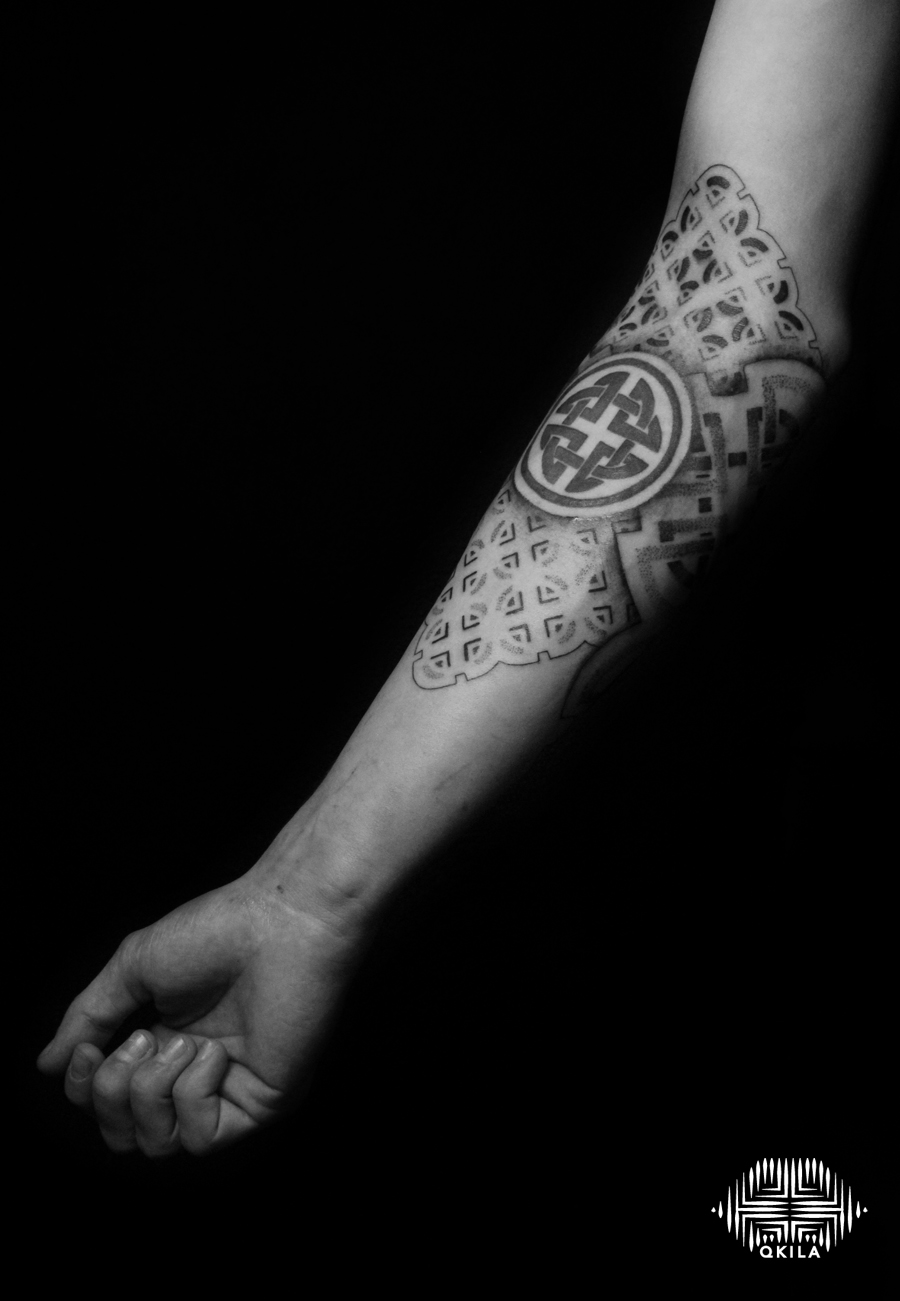 patterns tattoo,op art, foot tattoo, dotwork tattoo, qkila,geometric tattoo, ethnique tattoo, les tatoués anonymes, nimes