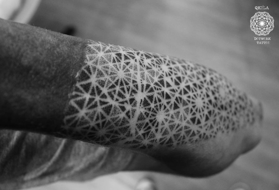 dotwork tattoo qkila illhan