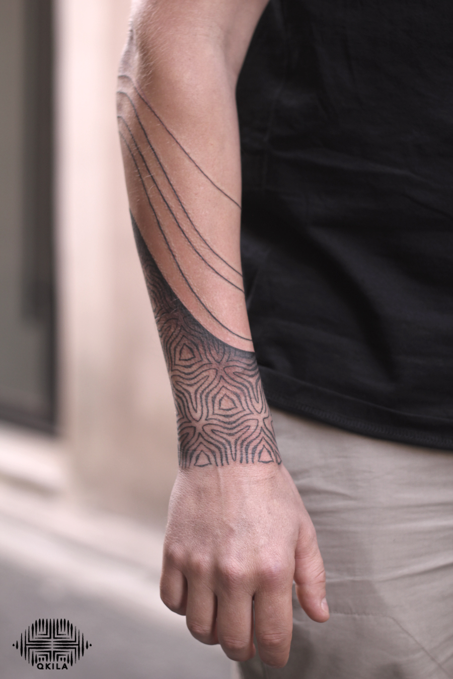 gabe,noir tattoo,black on black,patterns tattoo,op art, sleeves tattoo, dotwork tattoo, qkila,geometric tattoo, ethnique tattoo, les tatoués anonymes, nimes