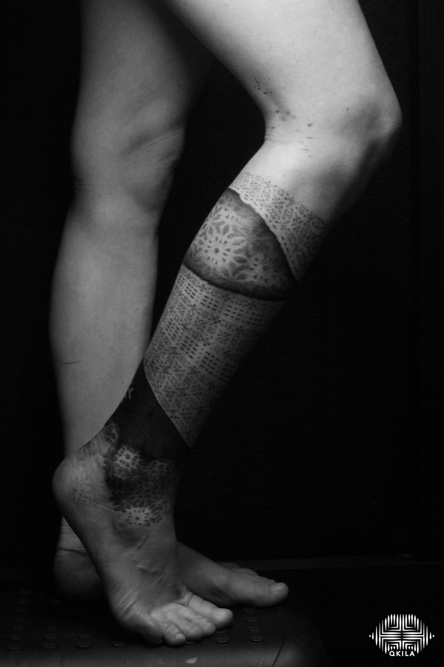 legg,patterns tattoo, op art, foot tattoo, dotwork tattoo, qkila,geometric tattoo, ethnique tattoo, les tatoués anonymes, nimes