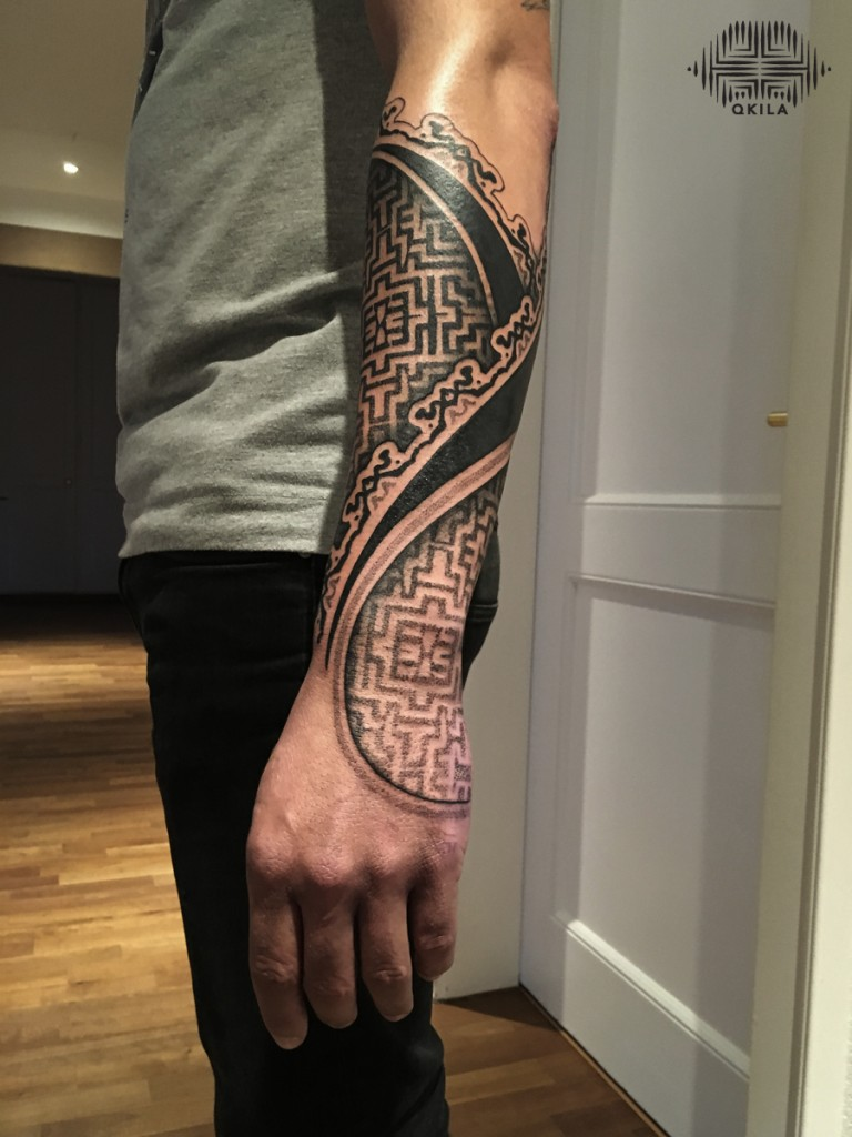 promenade noire,patterns tattoo,op art, sleeves tattoo, dotwork tattoo, qkila,geometric tattoo, ethnique tattoo, les tatoués anonymes, nimes